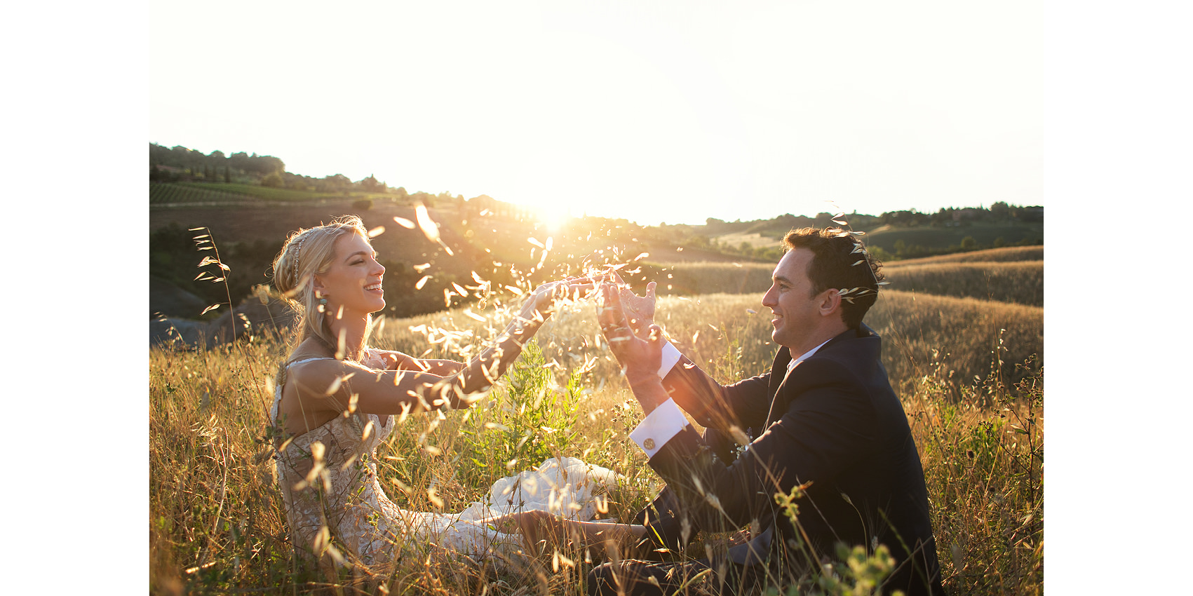 elopement photographer at sunset time