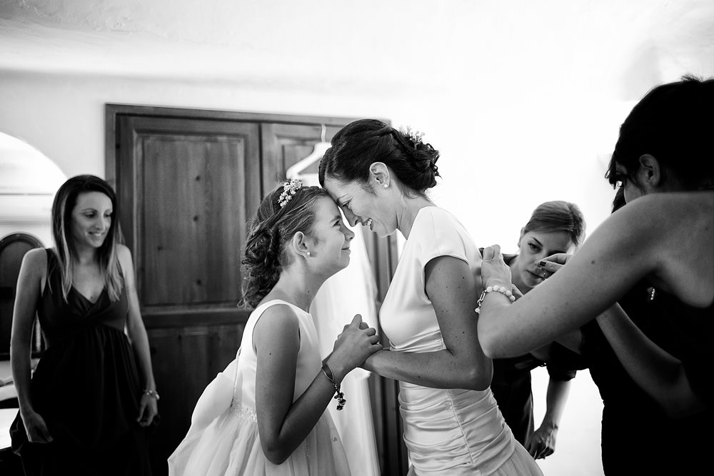 27-bride-and-groom-getting-ready